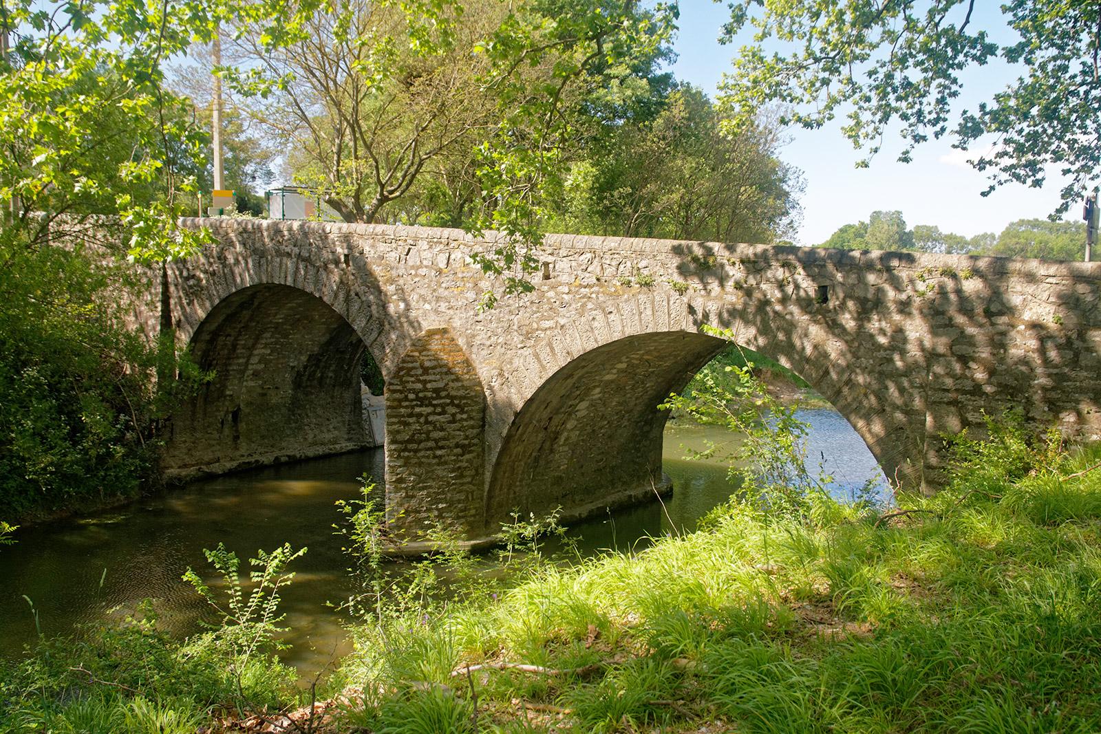 Pont sur le Bay, à Logrian-Florian dans le Gard
